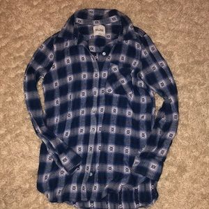 Juniors Mudd flannel shirt.